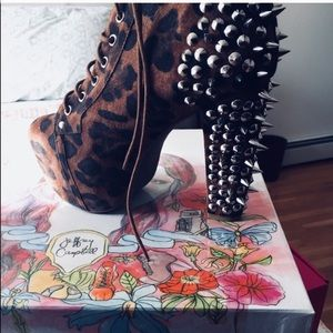 Brand new Jeffrey Campbell Lita spiked in leopard